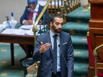 """Staatssecretaris Mahdi over situatie sans-papiers: """"Enige belofte die werd gemaakt, is mensen sneller antwoord geven"""""""