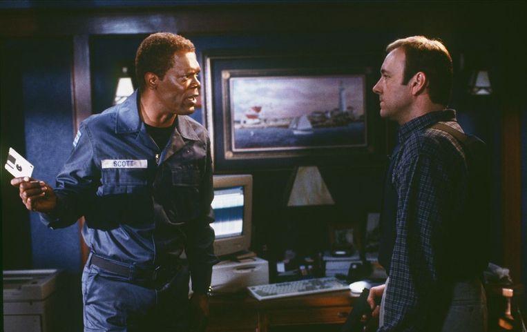 Samuel L. Jackson en Kevin Spacey in The Negotiator van F. Gary Gray. Beeld