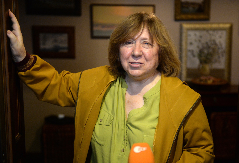 Nobelprijswinnaar Svetlana Alexijevitsj besloot Wit-Rusland te verlaten en naar Berlijn te trekken.  Beeld EPA