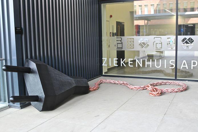 Het kunstwerk van Christo° op campus Rumbeke van AZ Delta.