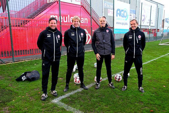 Bart Meert, tweede van rechts, leidt deze week de training. Hij doet dat samen met Jordi Lemiengre, Patrick Deman en Karsten Vandendriessche. De vrolijkheid op hun gezichten dateert wel uit betere dagen.