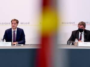 """Face au retard vaccinal à Bruxelles, des assouplissements plus rapides en Flandre? """"On ne peut pas laisser une région freiner les autres"""""""