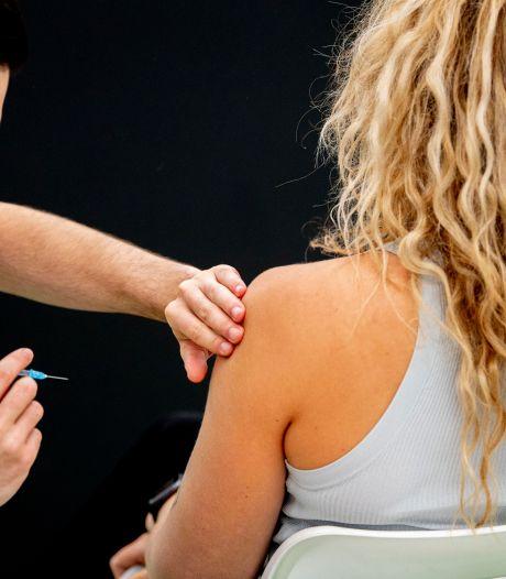 GGD ziet prikangst toenemen met dalen van leeftijd in de vaccinatiestraat: 'Vooral mannen gaan onderuit'