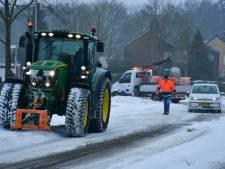 Pech bij het sneeuwschuiven in Vroomshoop en brandweerkazerne 'ingesneeuwd'