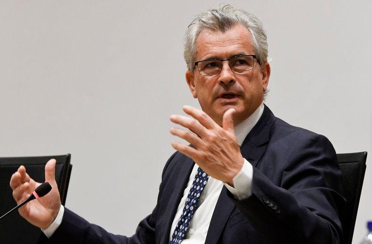 Burgemeester van Schaarbeek Bernard Clerfayt (DéFI) vindt niet dat Jambon te veel pluimen op zijn hoed mag steken. Beeld Photo News