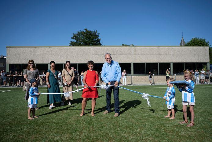 De feestelijke opening van de nieuwe voetbalcampus zaterdagavond.