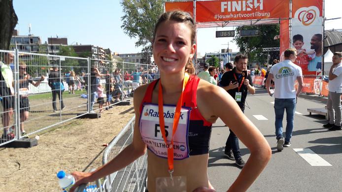 Julia van Velthoven kijkt na de finish van de Tilburg Ladies Run al vooruit naar haar volgende grote thuiswedstrijd.