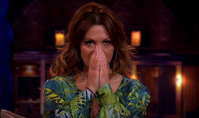 Belle Pérez luisterde ademloos naar het optreden van Karsu.