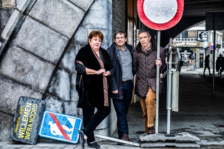 Dina Van Laethem (58), politierechter in Halle; Kris Peeters (55), mobiliteitsexpert; en Koen Van Wonterghem (70) van de vzw Ouders van Verongelukte Kinderen. Beeld Tim Dirven