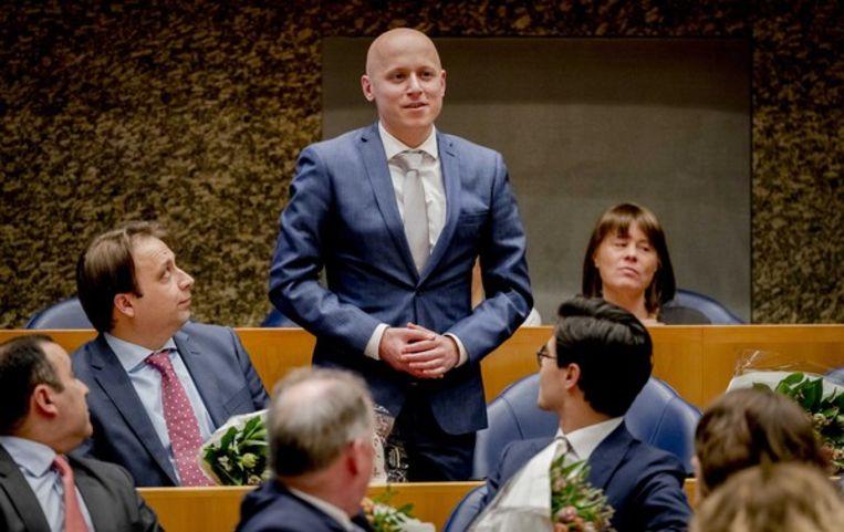 Rens Raemakers (D66) legt de eed af tijdens de installatie van de nieuwe Kamerleden na de Tweede Kamerverkiezingen. Beeld ANP