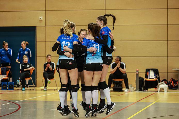 Het succes van Regio Zwolle Volleybal is het succes van een hecht team, dat sterk is in de breedte.