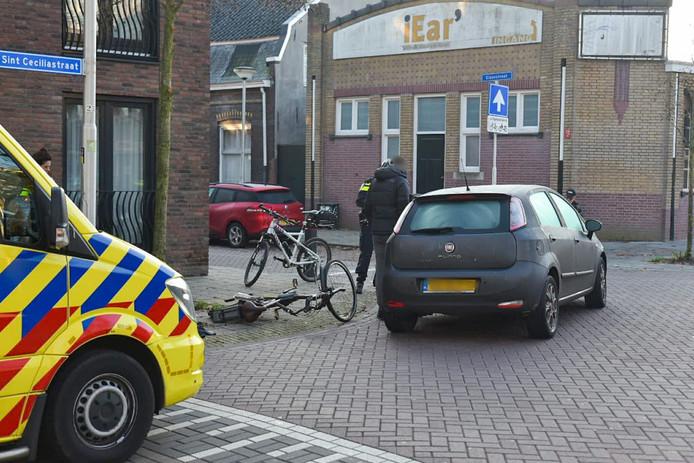 Het ongeluk gebeurde aan de Sint Ceciliastraat in Tilburg.