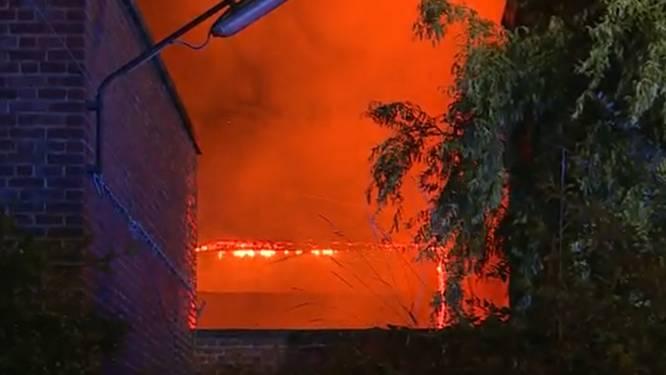 """Un incendie fait cinq blessés à Gilly: """"On craignait que la colonne vertébrale ne soit touchée"""""""