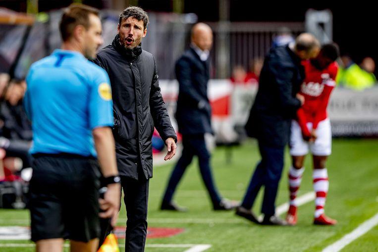 Mark van Bommel na de verloren wedstrijd van PSV in de eredivisie.  Beeld ANP