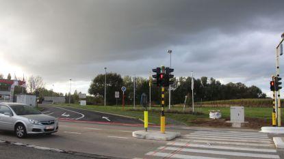 Eindelijk veiliger oversteken aan Steenberg (als je goed uitkijkt én snel genoeg bent)