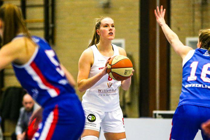 Julia Jorritsma van Lekdetec.nl uit Bemmel is met haar 21 jaar al een routinier binnen haar team.