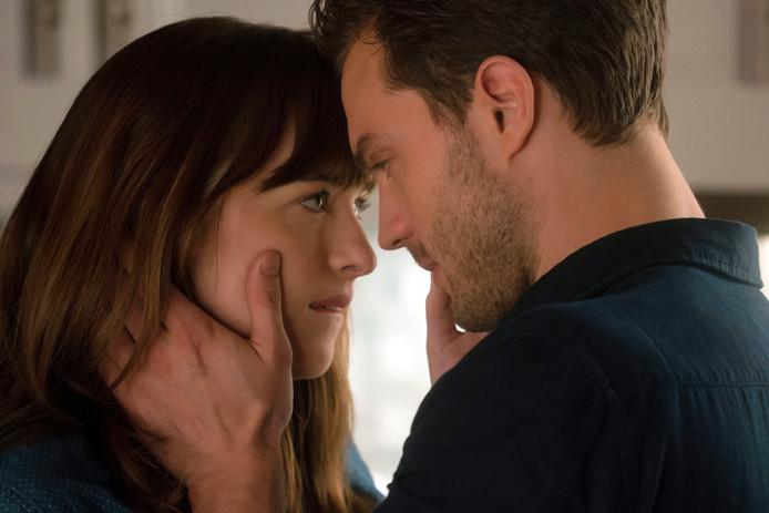 Dakota Johnson als Anastasia Steele en Jamie Dornan als Christian Grey.