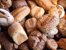 En toch gaat het nog mis: lichtbak van bakkerij in Nijverdal vernield