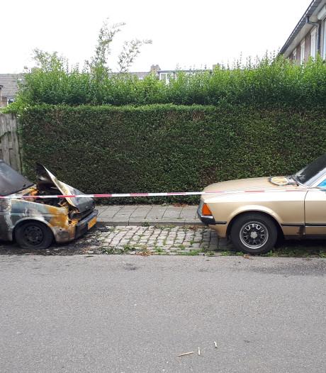 Weer drie auto's in Nijmegen uitgebrand, nu in Hatert