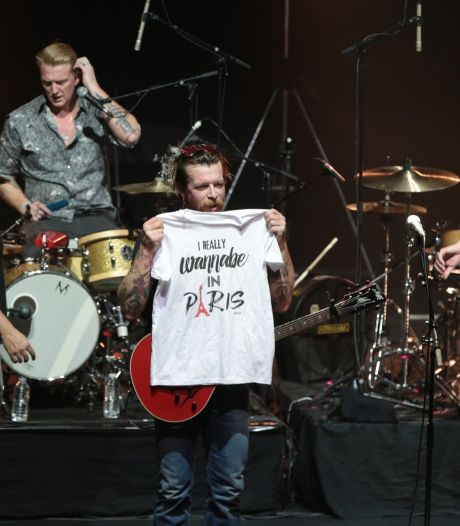 Emotionele terugkeer Eagles of Death Metal in Parijs