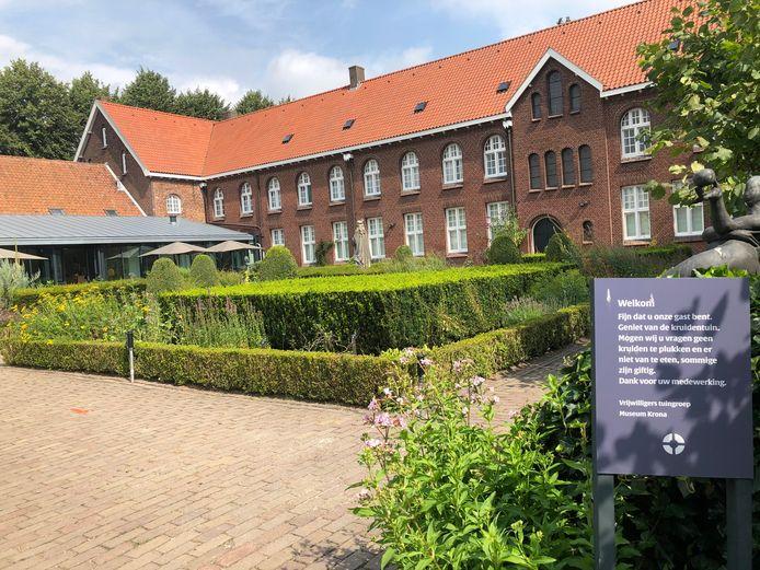 De kruidentuin van Museum Krona. Dit najaar is er een expositie over de coronacrisis die Uden zo hard trof.