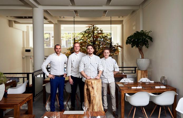 Nederland, Rotterdam, 03-05-17  Van links naar rechts eigenaar Xander Rodrigues, souschef Rijk Jutten, chefkok James Maros, souschef Thomas PagŽ.