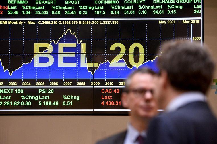 Ook de Bel-20-index is al een jaar in goeden doen. Met een stijging van ruim de helft sinds het dieptepunt op 17 maart vorig jaar is er nog maar een klein duwtje nodig om onze sterindex corona te doen vergeten. (Archieffoto) Beeld BELGA