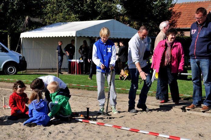 Bommen opsporen in Riel. Foto Jan van Eijndhoven/PVE