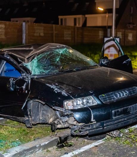 Flinke schade aan auto na slippartij in Tilburg