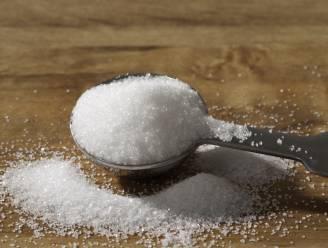 Strooi suiker in de wonde voor een snelle genezing