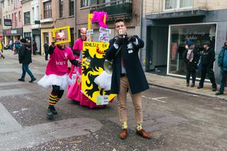 fotoreeks over Kleurrijke parade op Aalst carnaval