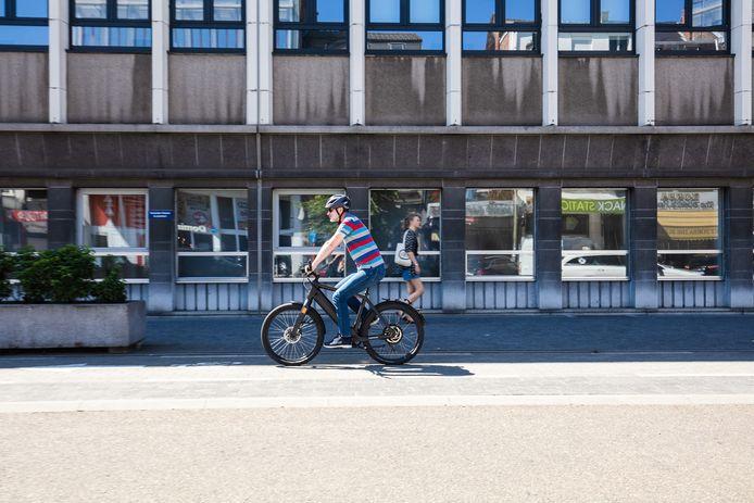 De Hasseltse fietsverhuurdienst Cyclis wil met de #ikfietsnaarhetwerk-campagne thuiswerkers opnieuw doen bewegen.