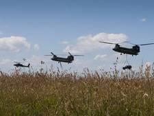 Transporthelikopter maakt voorzorgslanding op vliegbasis Gilze-Rijen: 'Er was brand aan boord'