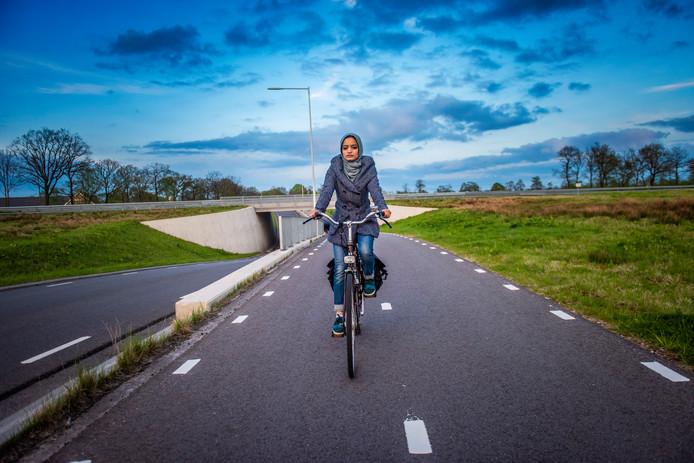 Maedeh (22) uit Afghanistan woont al 7 jaar in Nederland, zij en haar gezin moeten terug naar Afghanistan.