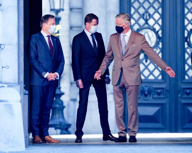 Enkele dagen geleden gingen Bart De Wever en Paul Magnette ook al langs bij koning Filip. Beeld Photo News