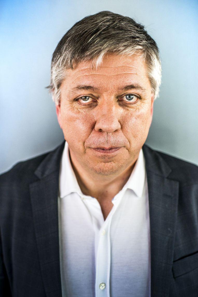 Vlaams minister Jo Vandeurzen kiest niet voor de kaasschaaf maar voor gerichte besparingen. Beeld dm