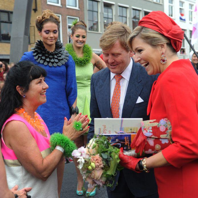 Koningin Máxima in gesprek met Ineke Otte.