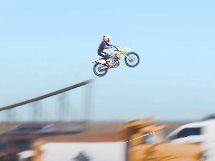 Un jeune casse-cou perd la vie pour un record de saut à moto