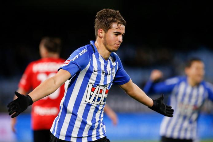 Samy Bourard maakt de 2-0 voor FC Eindhoven.