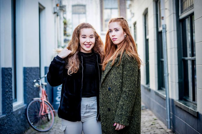 Michelle (links) en Antoinette de Jong (rechts).