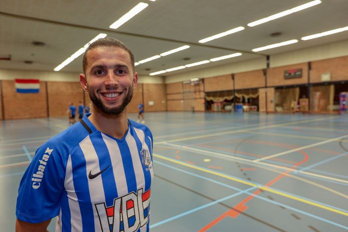 Bilal Achenteh ging van ZVV naar FC Eindhoven.