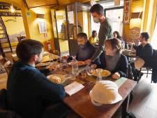 Utrecht wil het heropenen van restaurants testen: sneltest vooraf en mondkapje op