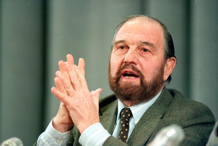 George Blake tijdens een persconferentie in Moskou in 1992.  Beeld AP