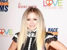 Avril Lavigne à nouveau célibataire