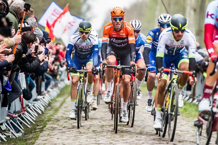 Lars Boom tijdens Parijs-Roubaix 2019.