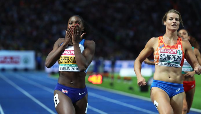 Archieffoto: Dina Asher-Smith (l) klopt Dafne Schippers op de 200 meter bij de EK atletiek in 2018.