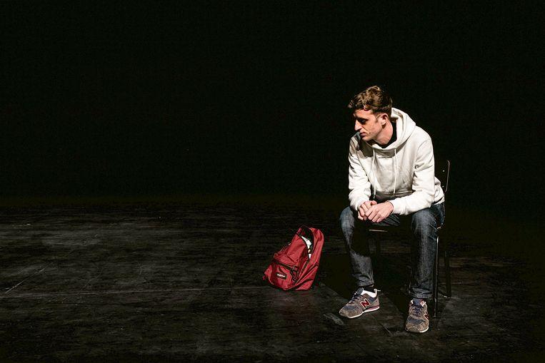 Edouard Louis in 'The Interrogation': mep in het gezicht. Beeld RV Michiel Devijver
