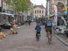 Nieuwe opzet zaterdagmarkt in Zwolle valt niet bij iedereen goed: 'mensen kunnen ons niet meer vinden'