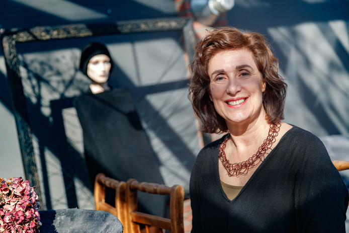 Kunstenares Inge van Rijsbergen-Brekelmans won de Cultuurprijs Moerdijk 2017.
