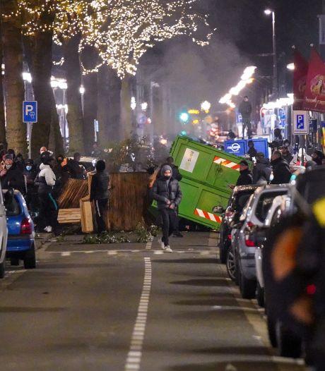 Weer Rotterdammer (19) aangehouden voor stenen gooien en plundering tijdens avondklokrellen
